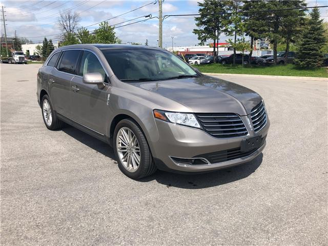 2019 Lincoln MKT Reserve (Stk: P8644) in Unionville - Image 1 of 18