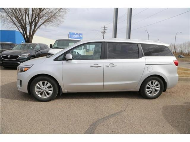2016 Kia Sedona LX (Stk: 173932) in Medicine Hat - Image 5 of 29
