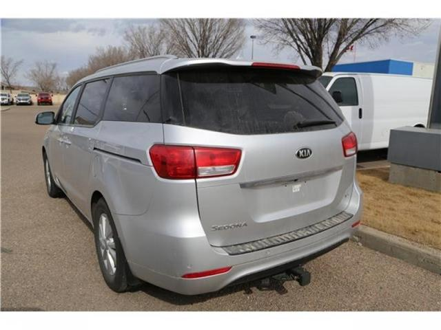 2016 Kia Sedona LX (Stk: 173932) in Medicine Hat - Image 6 of 29
