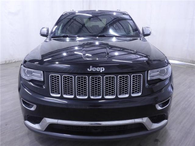 2014 Jeep Grand Cherokee Summit (Stk: 19041058) in Calgary - Image 2 of 26