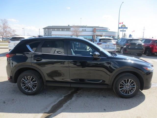 2019 Mazda CX-5 GS (Stk: M19077) in Steinbach - Image 4 of 36