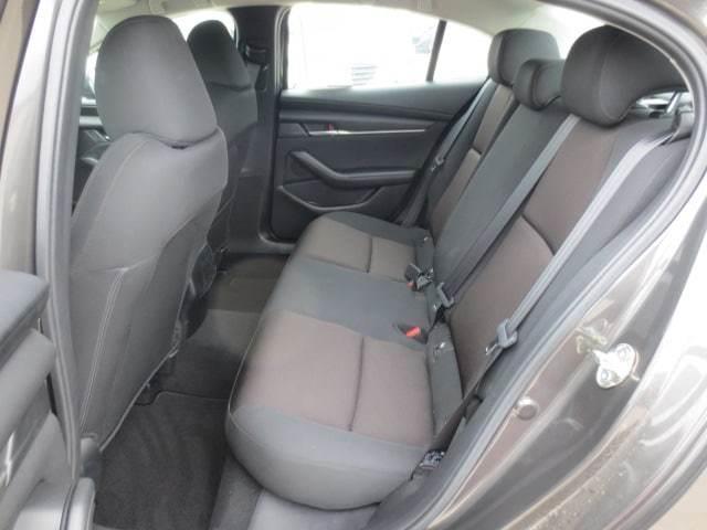 2019 Mazda Mazda3 GX (Stk: M19118) in Steinbach - Image 9 of 27