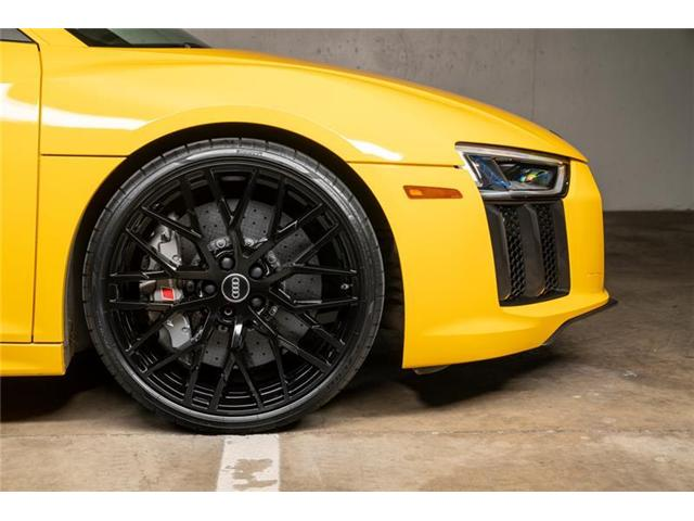 2017 Audi R8 5.2 V10 plus (Stk: VU0451) in Vancouver - Image 8 of 20