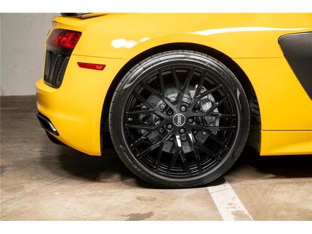 2017 Audi R8 5.2 V10 plus (Stk: VU0451) in Vancouver - Image 9 of 20