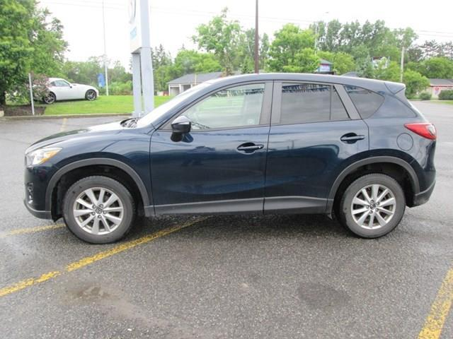 2016 Mazda CX-5 GS (Stk: 207391) in Gloucester - Image 2 of 16