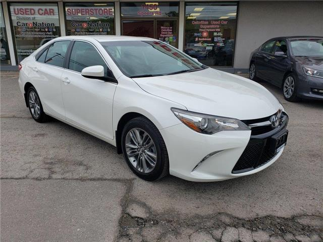 2016 Toyota Camry SE | B/U CAM | BLUETOOTH | HTD SEATS | LOW KM (Stk: P12243) in Oakville - Image 2 of 20