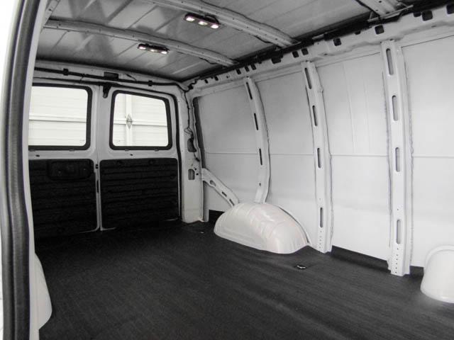 2019 Chevrolet Express 2500 Work Van (Stk: P9-58680) in Burnaby - Image 18 of 24