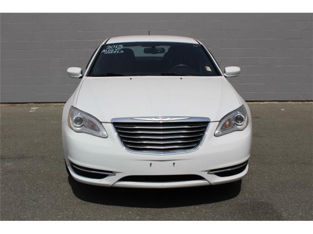 2013 Chrysler 200 LX (Stk: N158710B) in Courtenay - Image 2 of 26