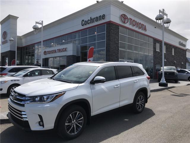 2019 Toyota Highlander XLE (Stk: 190234) in Cochrane - Image 1 of 15