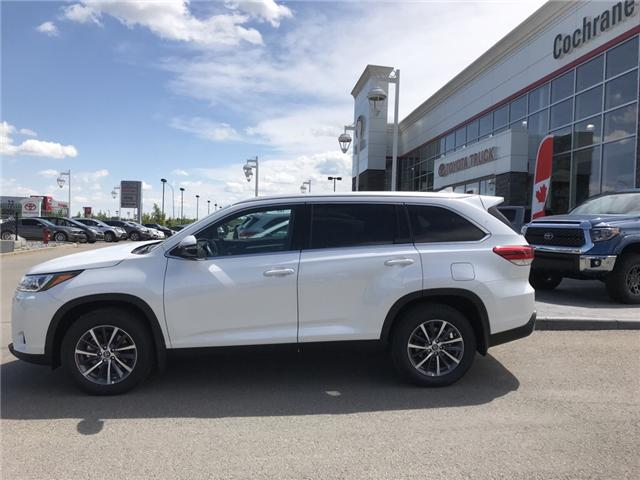 2019 Toyota Highlander XLE AWD SE Package (Stk: 190234) in Cochrane - Image 2 of 15