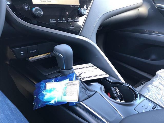 2019 Toyota Camry SE (Stk: 30817) in Aurora - Image 13 of 15