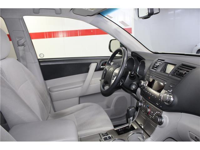 2012 Toyota Highlander V6 (Stk: 298525S) in Markham - Image 16 of 25