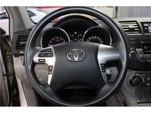 2012 Toyota Highlander V6 (Stk: 298525S) in Markham - Image 10 of 25