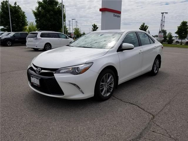 2015 Toyota Camry SE (Stk: 19143A) in Bowmanville - Image 2 of 20