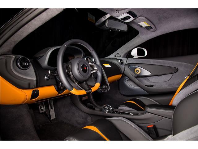 2018 McLaren 570S Coupe  (Stk: MV0198) in Calgary - Image 12 of 19