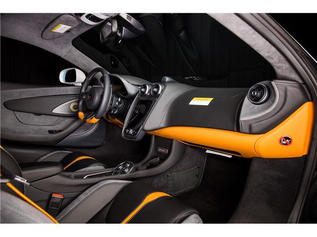 2018 McLaren 570S Coupe  (Stk: MV0198) in Calgary - Image 14 of 19
