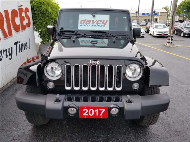 2017 Jeep Wrangler Unlimited Sahara (Stk: 19-419) in Oshawa - Image 2 of 11