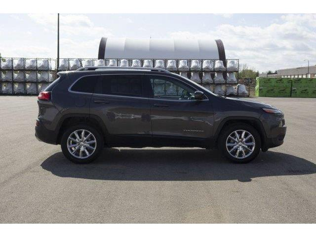 2015 Jeep Cherokee Limited (Stk: V571) in Prince Albert - Image 4 of 11