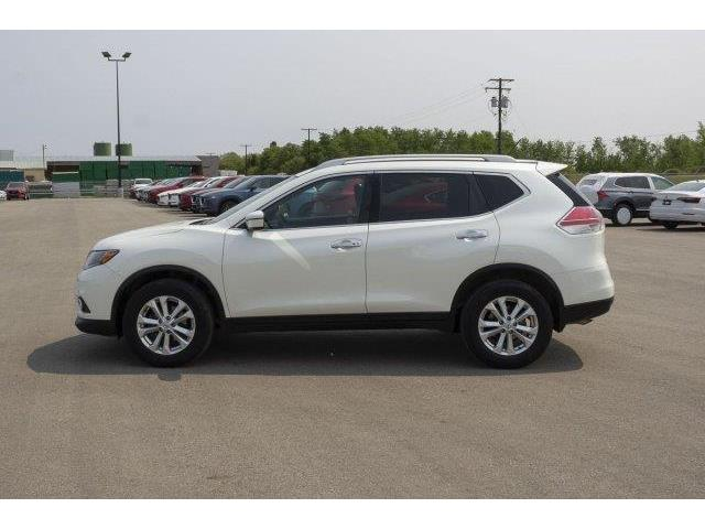 2016 Nissan Rogue  (Stk: V871) in Prince Albert - Image 2 of 11