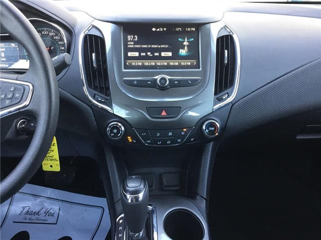 2018 Chevrolet Cruze LT Auto (Stk: 187042R) in Grimsby - Image 11 of 14