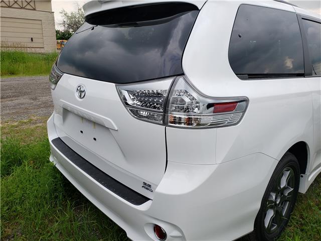 2020 Toyota Sienna SE 7-Passenger (Stk: 20-105) in Etobicoke - Image 9 of 16