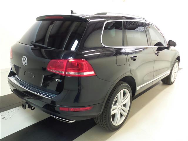 2011 Volkswagen Touareg 3.0 TDI Execline (Stk: 5813) in Stittsville - Image 2 of 5