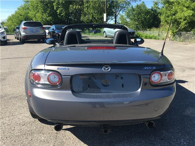2006 Mazda MX-5 GX (Stk: UC5754) in Woodstock - Image 4 of 14