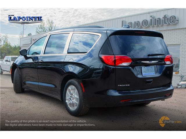 2019 Chrysler Pacifica Touring (Stk: 19420) in Pembroke - Image 4 of 20