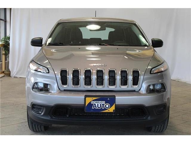 2017 Jeep Cherokee Sport (Stk: 228935) in Milton - Image 2 of 39