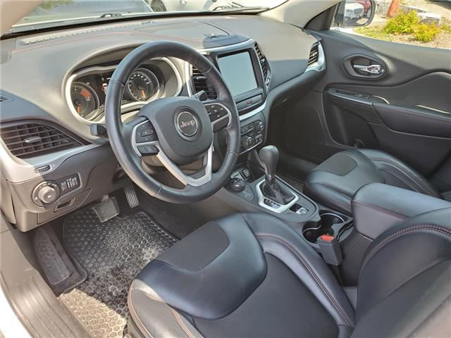 2017 Jeep Cherokee Trailhawk (Stk: 19S853AA) in Whitby - Image 10 of 26