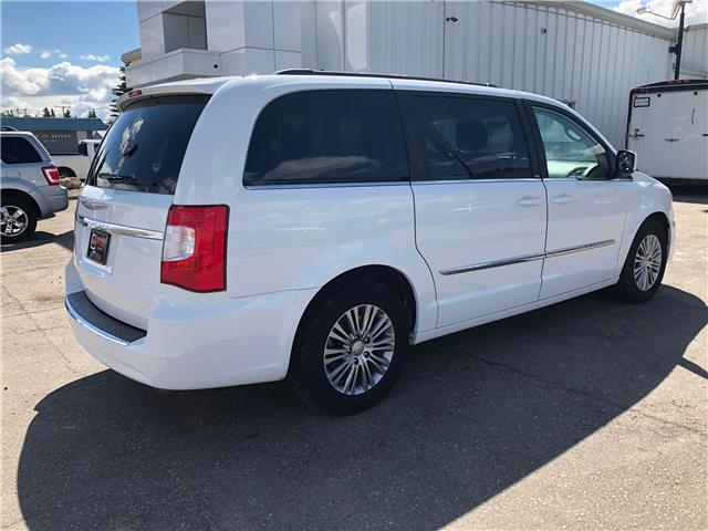 2014 Chrysler Town & Country Touring-L (Stk: 8342C) in Wilkie - Image 2 of 23