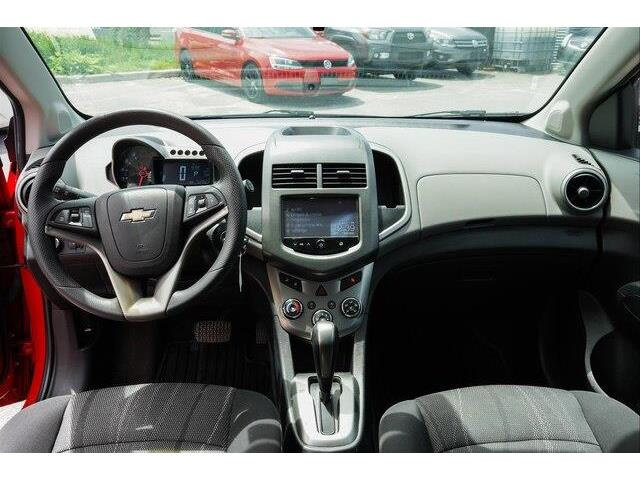 2016 Chevrolet Sonic LT Auto (Stk: SK697A) in Gloucester - Image 7 of 18