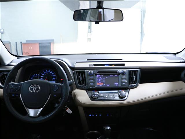 2013 Toyota RAV4 XLE (Stk: 195557) in Kitchener - Image 6 of 32
