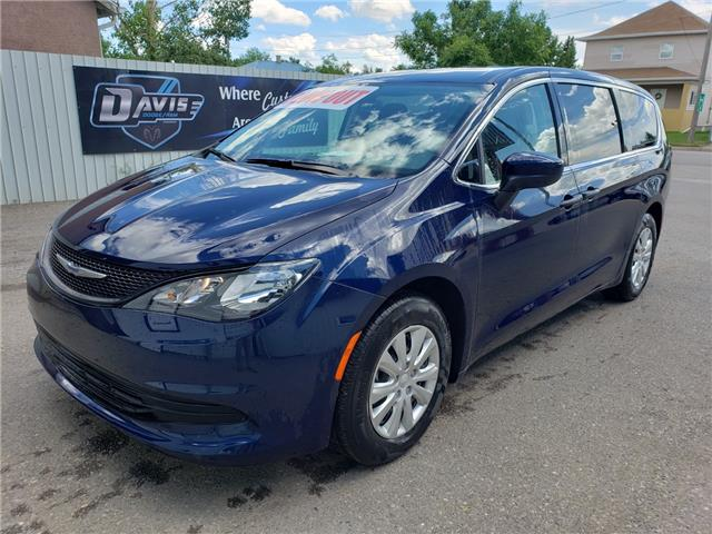 2018 Chrysler Pacifica L (Stk: 12084) in Fort Macleod - Image 1 of 19