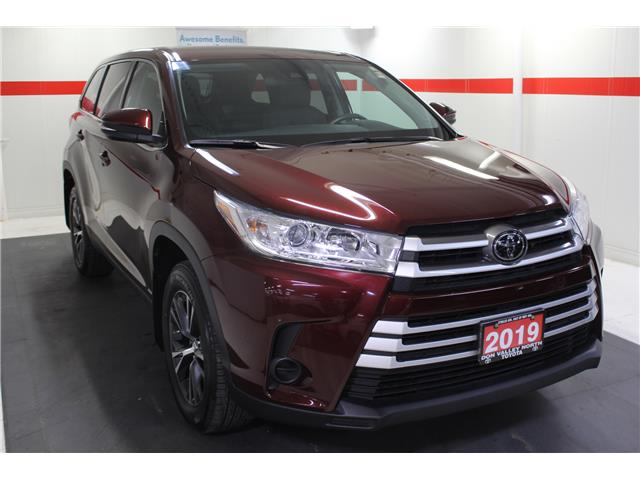 2019 Toyota Highlander LE (Stk: 298586S) in Markham - Image 2 of 24