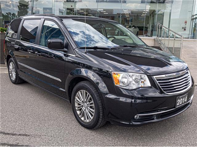 2014 Chrysler Town & Country Touring-L (Stk: 28336A) in Markham - Image 1 of 22