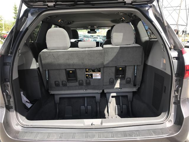 2019 Toyota Sienna LE 7-Passenger (Stk: 2883) in Cochrane - Image 10 of 15