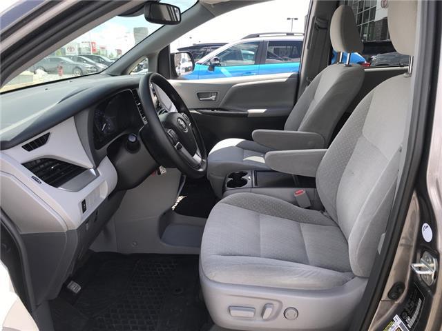 2019 Toyota Sienna LE 7-Passenger (Stk: 2883) in Cochrane - Image 11 of 15