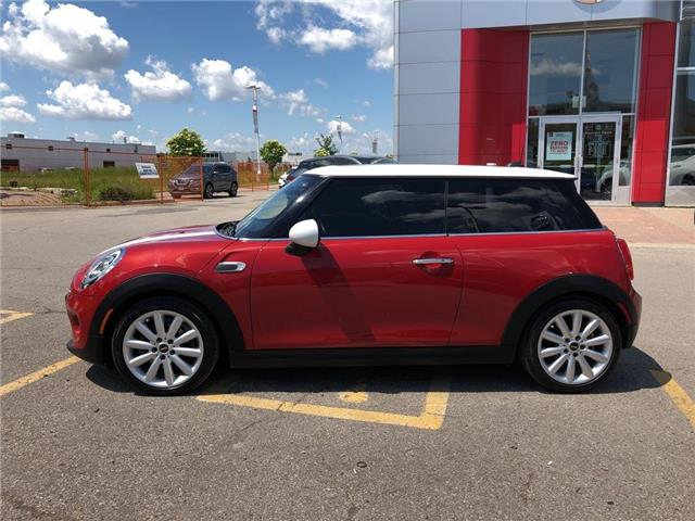 2015 MINI Cooper Hardtop Leather,Roof,Alloys,Low Mileage! (Stk: M19Q068A) in Maple - Image 2 of 23