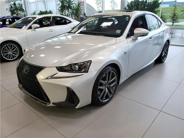 2019 Lexus IS 300 Base (Stk: L19363) in Calgary - Image 2 of 5