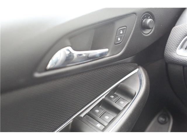2018 Chevrolet Cruze LT Auto (Stk: 54705) in Barrhead - Image 13 of 29