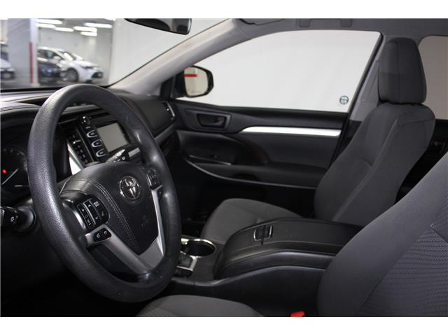 2015 Toyota Highlander LE (Stk: 298468S) in Markham - Image 7 of 24