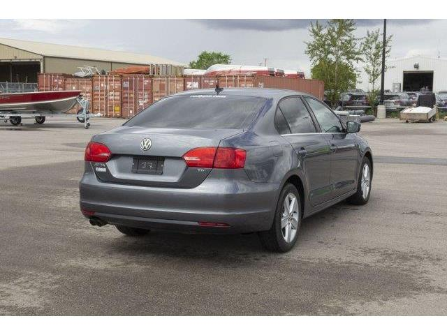 2012 Volkswagen Jetta 2.0 TDI Highline (Stk: V666) in Prince Albert - Image 5 of 11