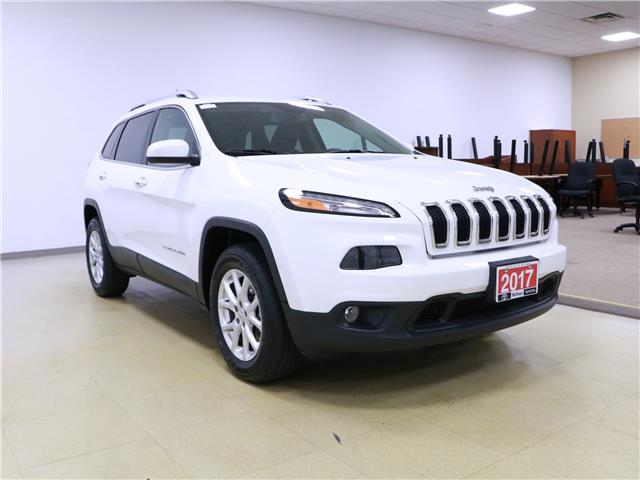 2017 Jeep Cherokee North (Stk: 195603) in Kitchener - Image 4 of 33