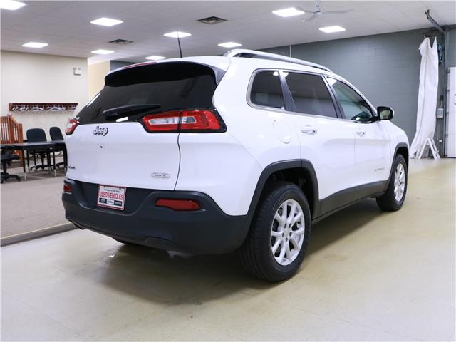 2017 Jeep Cherokee North (Stk: 195603) in Kitchener - Image 3 of 33