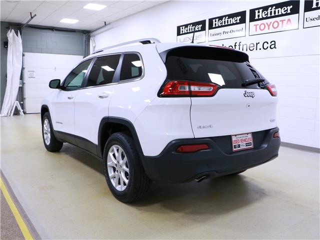 2017 Jeep Cherokee North (Stk: 195603) in Kitchener - Image 2 of 33