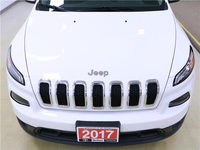 2017 Jeep Cherokee North (Stk: 195603) in Kitchener - Image 29 of 33