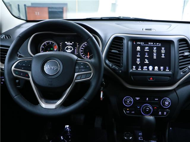 2017 Jeep Cherokee North (Stk: 195603) in Kitchener - Image 8 of 33