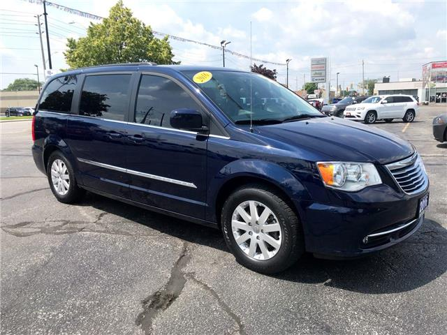 2016 Chrysler Town & Country Touring (Stk: 44822) in Windsor - Image 1 of 13