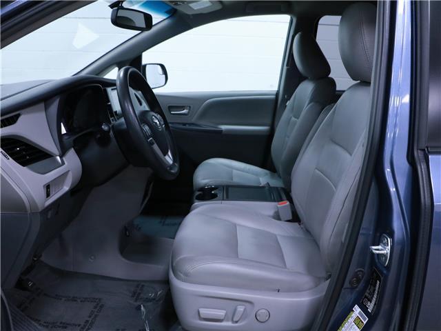 2016 Toyota Sienna LE 8 Passenger (Stk: 195490) in Kitchener - Image 5 of 34